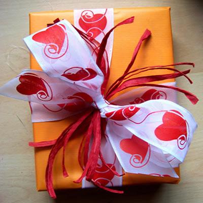 [Geschenkverpackung]  Sommerlich buntes Geschenk