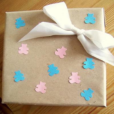 Verpackung für das Baby- Geschenk
